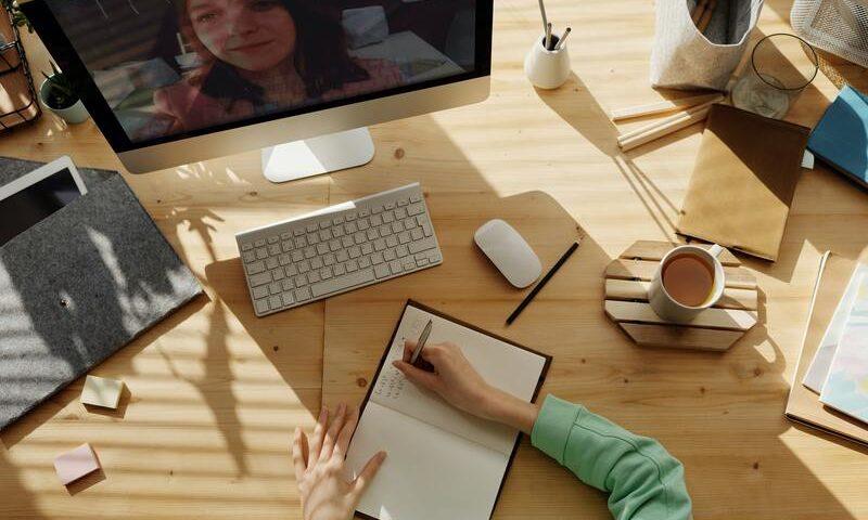 Apprentissage d'une langue en ligne