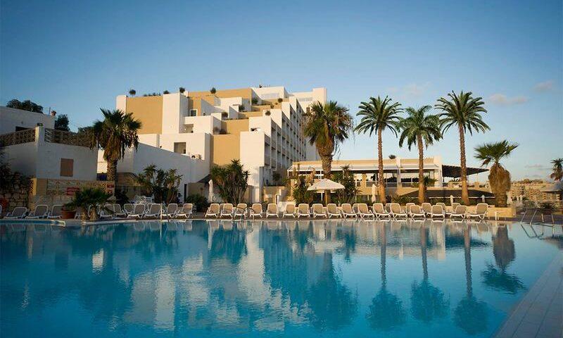 Hôtel 4 étoiles avec piscine St Paul's Bay